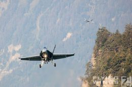 http://flying-wings.com/plugins/content/sige/plugin_sige/showthumb.php?img=/images/airshows/20_Meiringen/9/Meiringen_Hornet-8765_Zeitler.jpg&width=260&height=300&quality=80&ratio=1&crop=0&crop_factor=50&thumbdetail=0