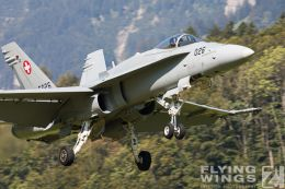 http://flying-wings.com/plugins/content/sige/plugin_sige/showthumb.php?img=/images/airshows/20_Meiringen/9/Meiringen_Hornet-9267_Zeitler.jpg&width=260&height=300&quality=80&ratio=1&crop=0&crop_factor=50&thumbdetail=0