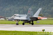 http://flying-wings.com/plugins/content/sige/plugin_sige/showthumb.php?img=/images/airshows/20_Meiringen/Gallery/Meiringen_Hornet-8177_Zeitler.jpg&width=180&height=200&quality=80&ratio=1&crop=0&crop_factor=50&thumbdetail=0