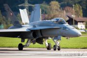 http://flying-wings.com/plugins/content/sige/plugin_sige/showthumb.php?img=/images/airshows/20_Meiringen/Gallery/Meiringen_Hornet-8682_Zeitler.jpg&width=180&height=200&quality=80&ratio=1&crop=0&crop_factor=50&thumbdetail=0