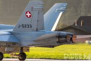 http://flying-wings.com/plugins/content/sige/plugin_sige/showthumb.php?img=/images/airshows/20_Meiringen/Gallery/Meiringen_Hornet-9172_Zeitler.jpg&width=180&height=200&quality=80&ratio=1&crop=0&crop_factor=50&thumbdetail=0