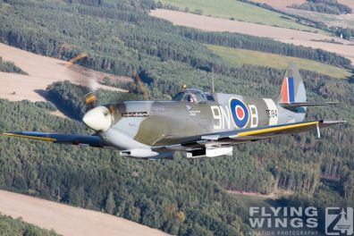 http://flying-wings.com/plugins/content/sige/plugin_sige/showthumb.php?img=/images/galleries/18_spitfire/4_4//Pilsen_Spit_air-air-8446_Zeitler.jpg&width=396&height=300&quality=80&ratio=1&crop=0&crop_factor=50&thumbdetail=0