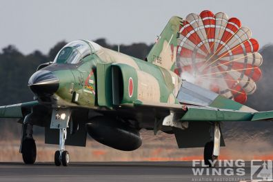 http://flying-wings.com/plugins/content/sige/plugin_sige/showthumb.php?img=/images/galleries/21_Japan_Phantoms/Hyakuri1/20090311-Japan09_RF-4-6966_Zeitler.jpg&width=396&height=300&quality=80&ratio=1&crop=0&crop_factor=50&thumbdetail=0