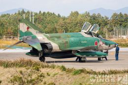 http://flying-wings.com/plugins/content/sige/plugin_sige/showthumb.php?img=/images/galleries/21_Japan_Phantoms/Hyakuri2/20051116-Japan_RF-4E-7682_Zeitler.jpg&width=260&height=300&quality=80&ratio=1&crop=0&crop_factor=50&thumbdetail=0