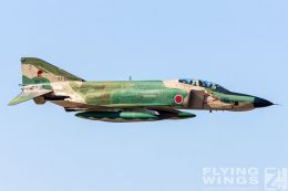 http://flying-wings.com/plugins/content/sige/plugin_sige/showthumb.php?img=/images/galleries/21_Japan_Phantoms/Hyakuri2/20051116-Japan_RF-4E-7816_Zeitler.jpg&width=260&height=300&quality=80&ratio=1&crop=0&crop_factor=50&thumbdetail=0