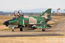 http://flying-wings.com/plugins/content/sige/plugin_sige/showthumb.php?img=/images/galleries/21_Japan_Phantoms/Hyakuri2/20051116-Japan_RF-4EJ-8019_Zeitler.jpg&width=260&height=300&quality=80&ratio=1&crop=0&crop_factor=50&thumbdetail=0