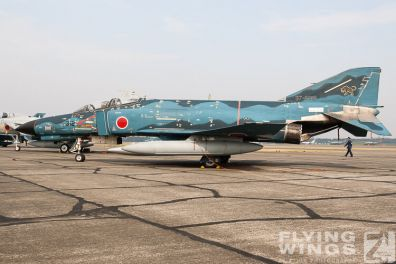 http://flying-wings.com/plugins/content/sige/plugin_sige/showthumb.php?img=/images/galleries/21_Japan_Phantoms/Misawa1/20051103-Japan_11_03__Iruma Show-1701_Zeitler.jpg&width=396&height=300&quality=80&ratio=1&crop=0&crop_factor=50&thumbdetail=0