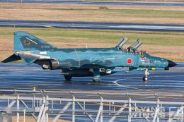http://flying-wings.com/plugins/content/sige/plugin_sige/showthumb.php?img=/images/galleries/21_Japan_Phantoms/Misawa2/20051101-Japan_Phantom-0446_Zeitler.jpg&width=260&height=300&quality=80&ratio=1&crop=0&crop_factor=50&thumbdetail=0