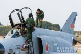 http://flying-wings.com/plugins/content/sige/plugin_sige/showthumb.php?img=/images/galleries/21_Japan_Phantoms/Naha2/20081214-_F-4-1273_Zeitler.jpg&width=260&height=300&quality=80&ratio=1&crop=0&crop_factor=50&thumbdetail=0