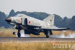 http://flying-wings.com/plugins/content/sige/plugin_sige/showthumb.php?img=/images/galleries/21_Japan_Phantoms/Nyuta4/20101111-Japan_F-4-8514_Zeitler.jpg&width=260&height=300&quality=80&ratio=1&crop=0&crop_factor=50&thumbdetail=0