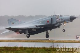 http://flying-wings.com/plugins/content/sige/plugin_sige/showthumb.php?img=/images/galleries/21_Japan_Phantoms/Nyuta4/20141126-Nyutabaru_F-4-2770_Zeitler.jpg&width=260&height=300&quality=80&ratio=1&crop=0&crop_factor=50&thumbdetail=0