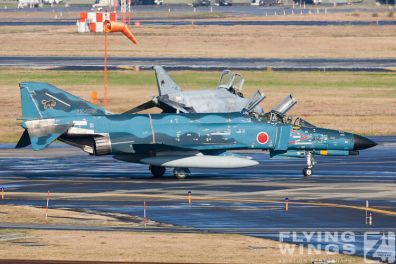 http://flying-wings.com/plugins/content/sige/plugin_sige/showthumb.php?img=/images/galleries/21_Japan_Phantoms/Phantoms/20051101-Japan_Phantom-0513_Zeitler.jpg&width=396&height=300&quality=80&ratio=1&crop=0&crop_factor=50&thumbdetail=0